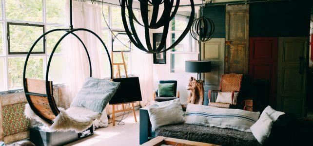 Modernes Wohnzimmer: durchbrochene Wand oder Glaswand? Unsere Ratgeber & Tipps