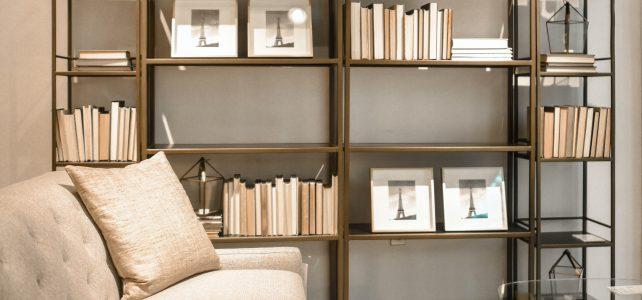 Welches Bücherregal für das Wohnzimmer? Übersicht über moderne Modelle